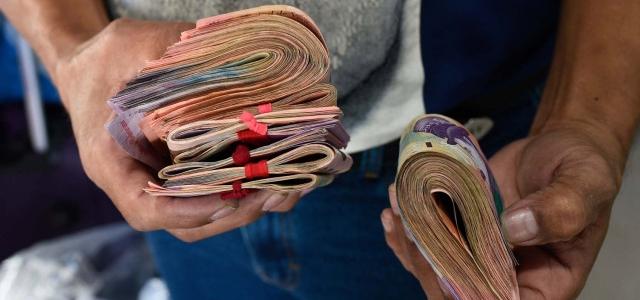 El salario mínimo queda de nuevo en seis dólares