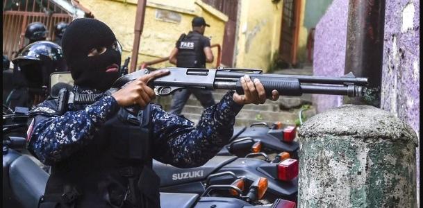 Informe de Bachelet insta al régimen de Maduro disolver el Faes y desmantelar a los colectivos