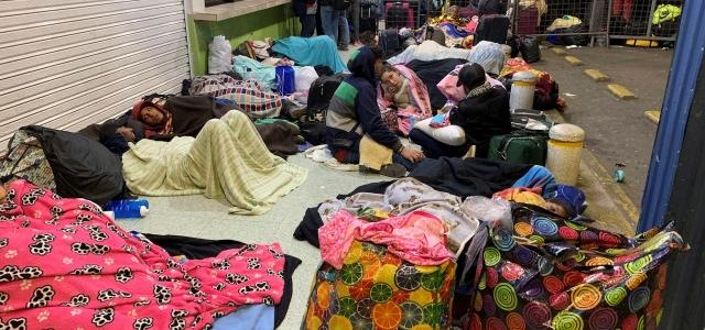 Últimos migrantes venezolanos acceden a Ecuador antes de requisito de visa